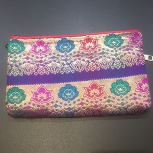 Accessories - Clutch with Indian accessories